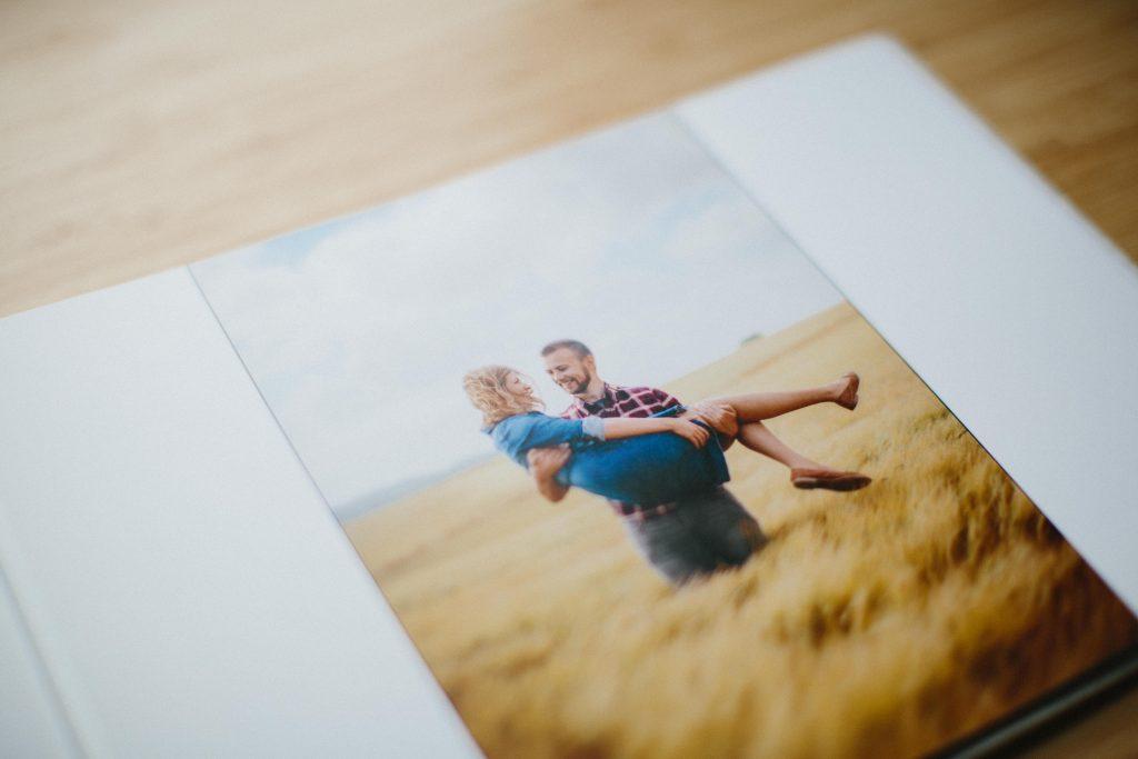 Signing Book - Nisha Haq Photography